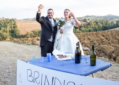 Brindisino degli sposi dopo il matrimonio