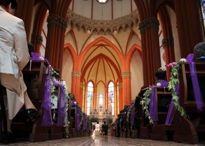Vista della navata della chiesa