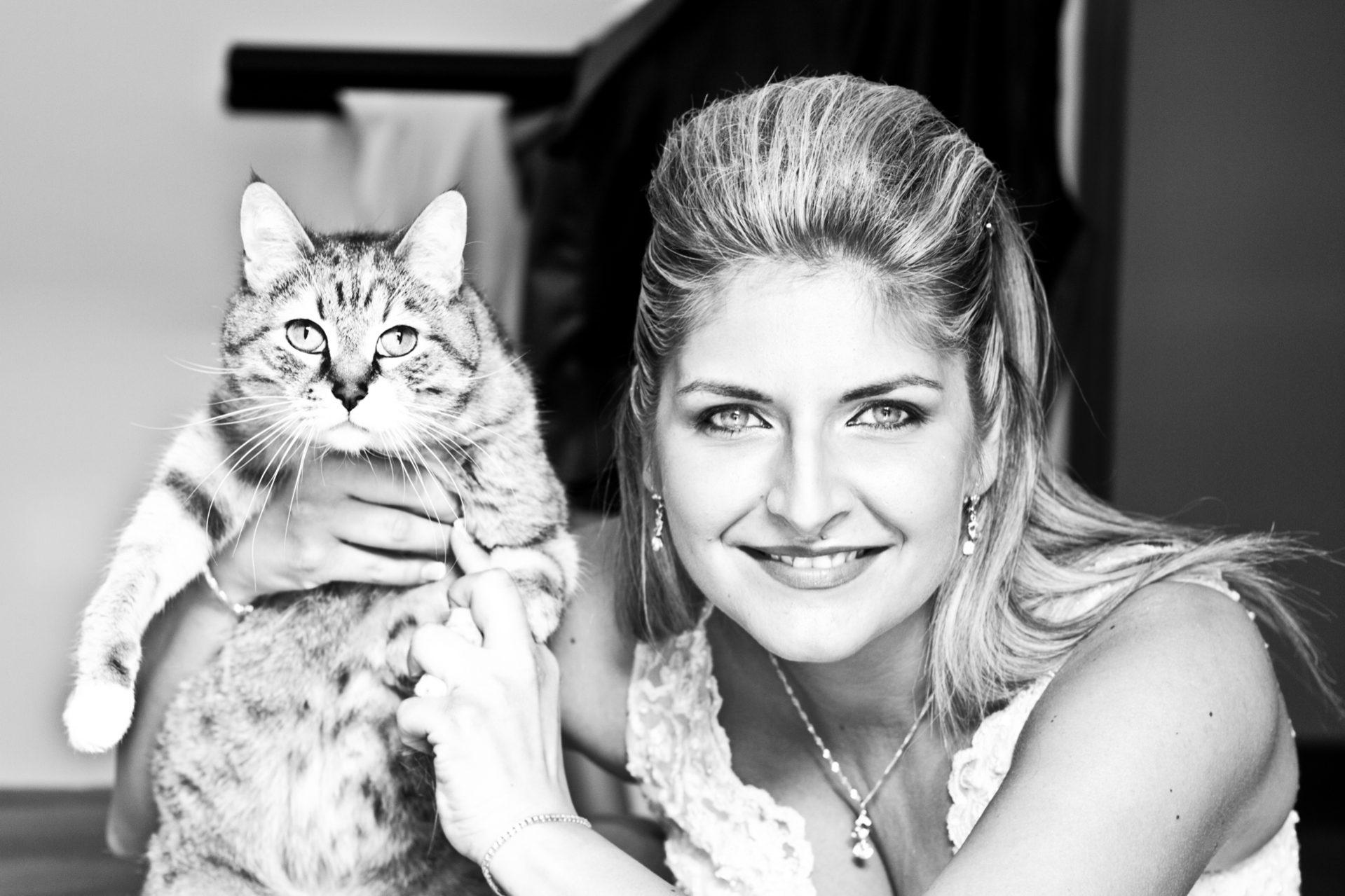 Sposa con gatto. Servizio fotografico Matrimonio Bologna