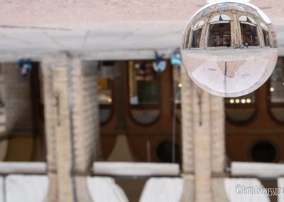 Bologna_in_una_bolla_fotografo_palazzo-dei-banchi_lensball