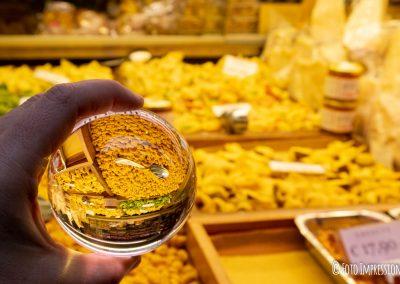 Bologna_in_una_bolla_fotografo_tortellini-handmade-quadrilatero_ceccarelli-amedeo_lensball