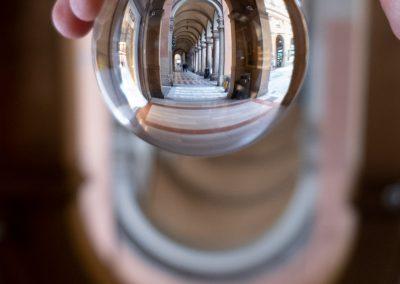 Bologna_in_una_bolla_fotografo_via-farini_lensball
