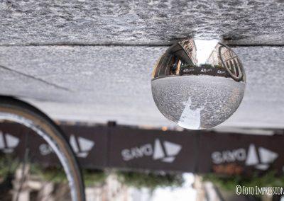 Bologna_in_una_bolla_fotografo_via-ugo-bassi_lensball_Foto-Impressioni__via-rizzoli-centro-t-days