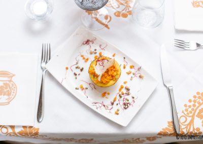 Food photography. Fotografia di cibo. Tortino di carote con sfogliatina di pane
