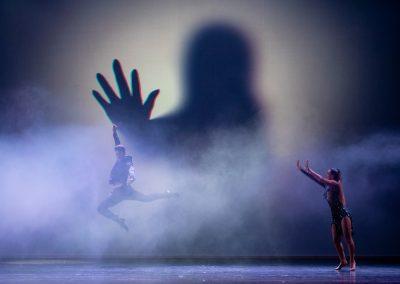 fotografia durante lo spettacolo di danza al teatro celebrazioni a bolognaSpettacolo di Danza al Teatro delle Celebrazioni a Bologna